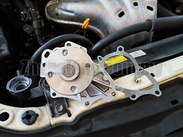 GMB OE Water Pump for Toyota Alphard, Caldina, Camry, Estima, Harrier, Ipsum, Rav4, Wish 2.0-2.4