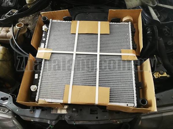 MERCEDES W124 86-89 A/T 230E Radiator