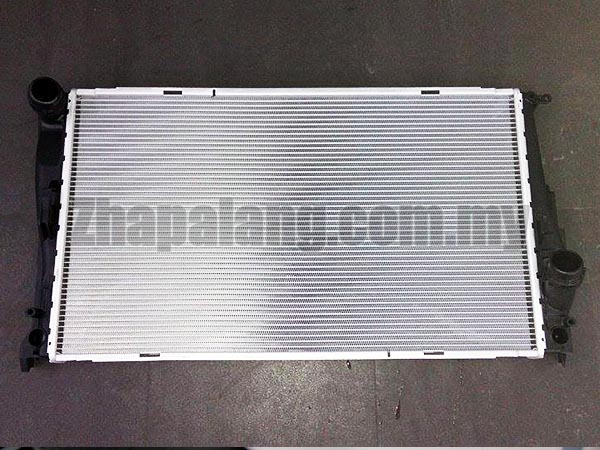BMW Radiator (335i 335xi 135i 335i xDrive Z4) - Genuine BMW 17117547059