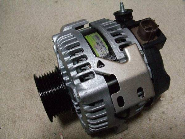 Original Denso Alternator 12V 100A for Toyota Harrier ACU30, Wish ANE10