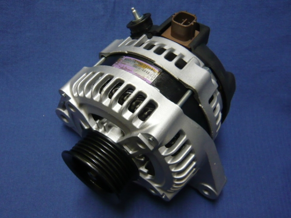 Original Denso Alternator 12V 130A for Toyota Estima MCR30, Alphard MNH40