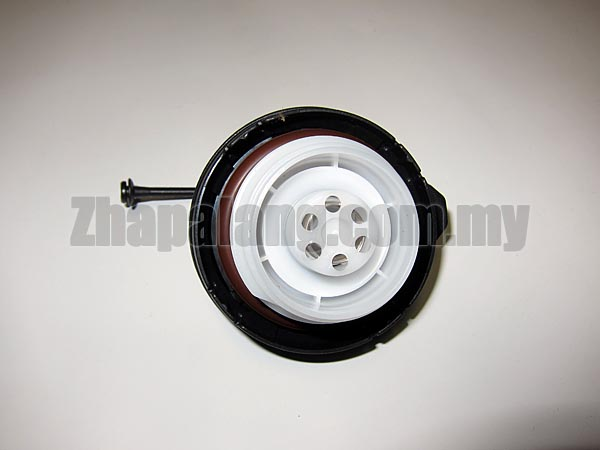 Genuine Honda 17670-TR0-A11 Fuel Filler Cap Assembly - Image 2