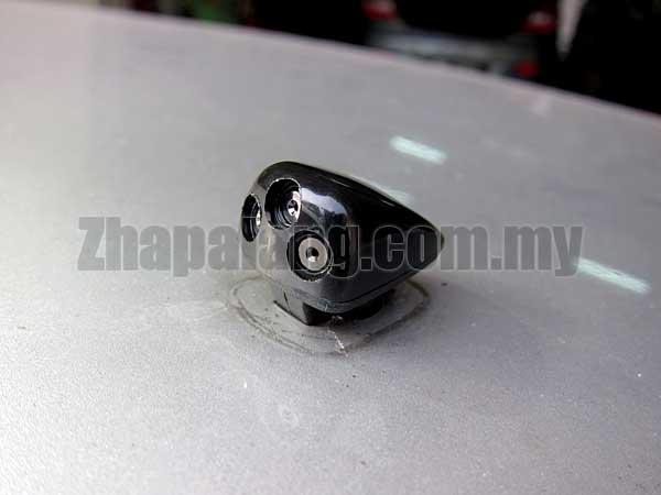 Original Hyundai Sonata NF \'06-10 Front Wind Shield Wiper Nozzle - Image 2