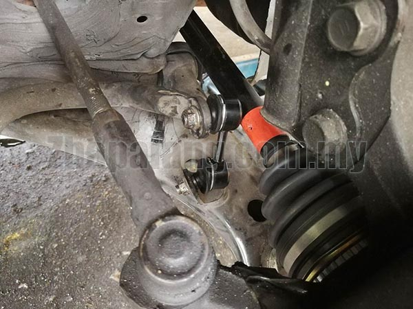 555 Front Absorber Link for Toyota Corolla AE111 - Image 2