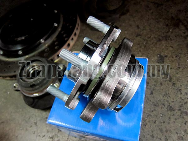 SKF Front Wheel Bearing Hub Assembly for Nissan - Image 2