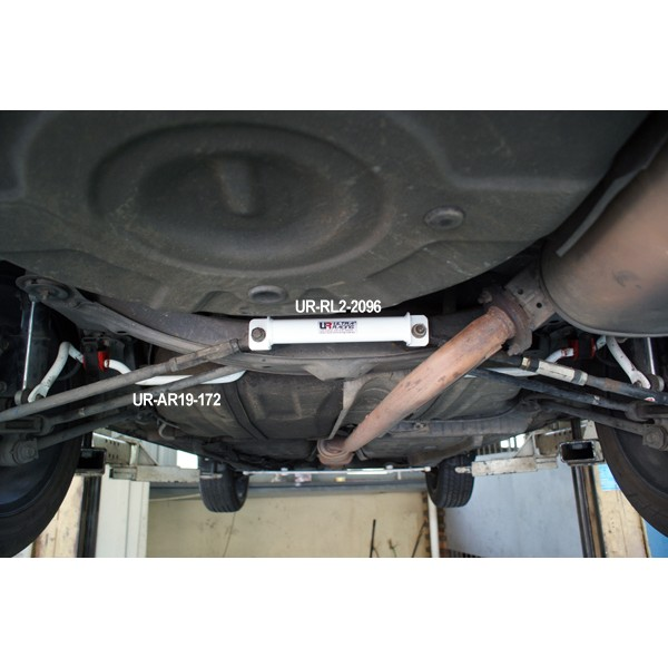 ULTRA RACING TOYOTA CAMRY (XV-20) '97 REAR LOWER BAR 2 POINT