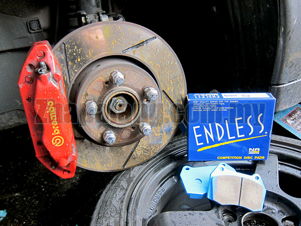 Endless SSS Sport Brake Pads for Honda Brembo Calipers(Honda Civic Type R FD2)