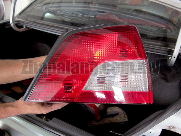 Original Proton Waja Mitsubishi Tail Lamp LH PW850538