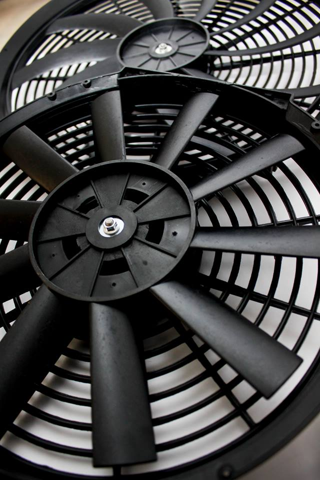 Revoluzion High Powered Fan 16 Inch 130 Watts (CFM 2,960) (Curved Blade) - Image 4