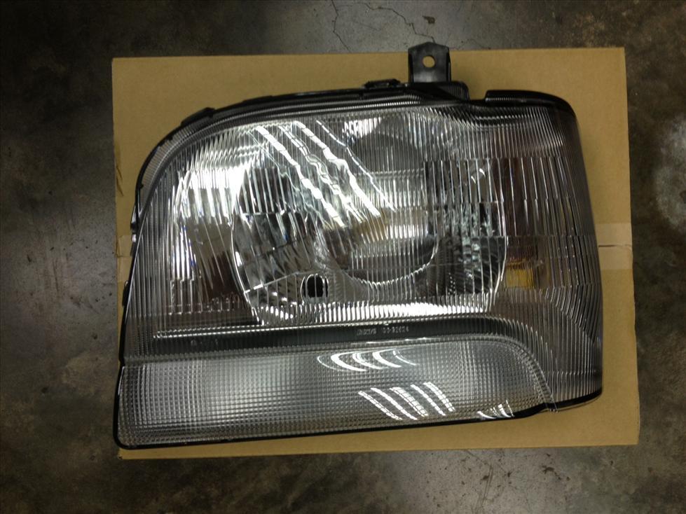 Suzuki DA52T DA52 660cc Head Lamp 35120-60H00 35320-60H00